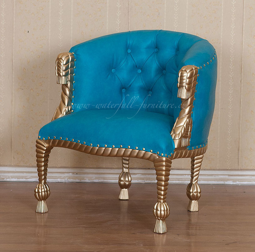 Zlaté designové křeslo Curlicue Baroque v modré