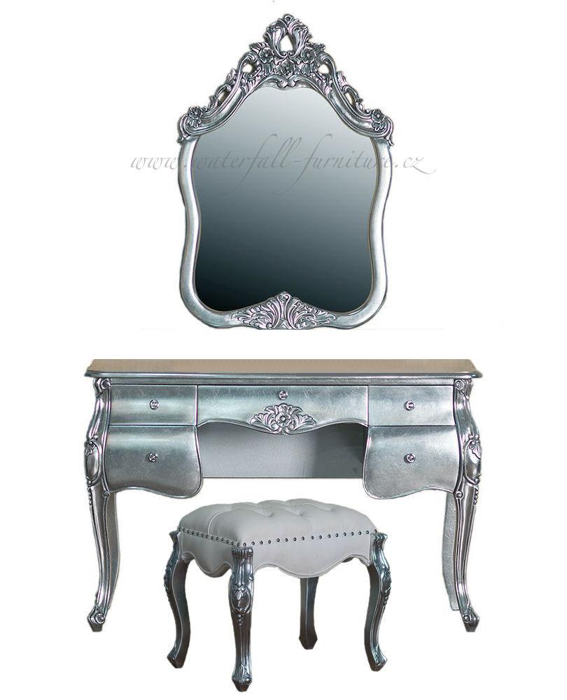 Stříbrná zámecká toaletka